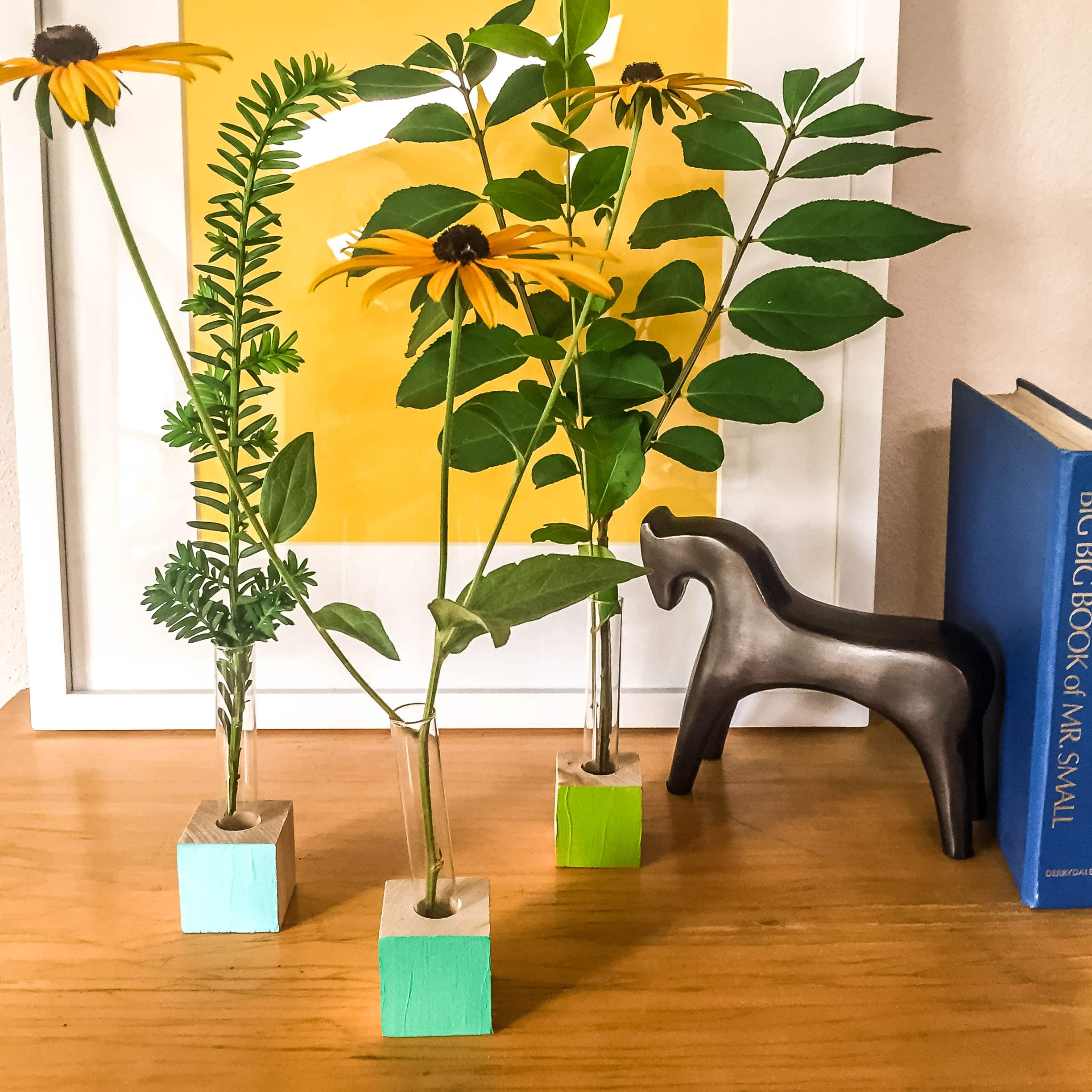 10-minute kid+parent DIY bud vase