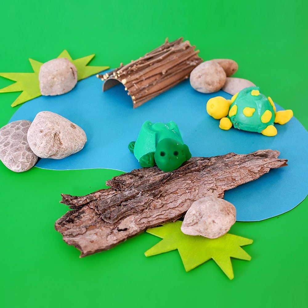 This adorable baby turtle play dough invitation only uses a few basic materials and encourages kids to explore nature, patterns and forms! | via barley & birch