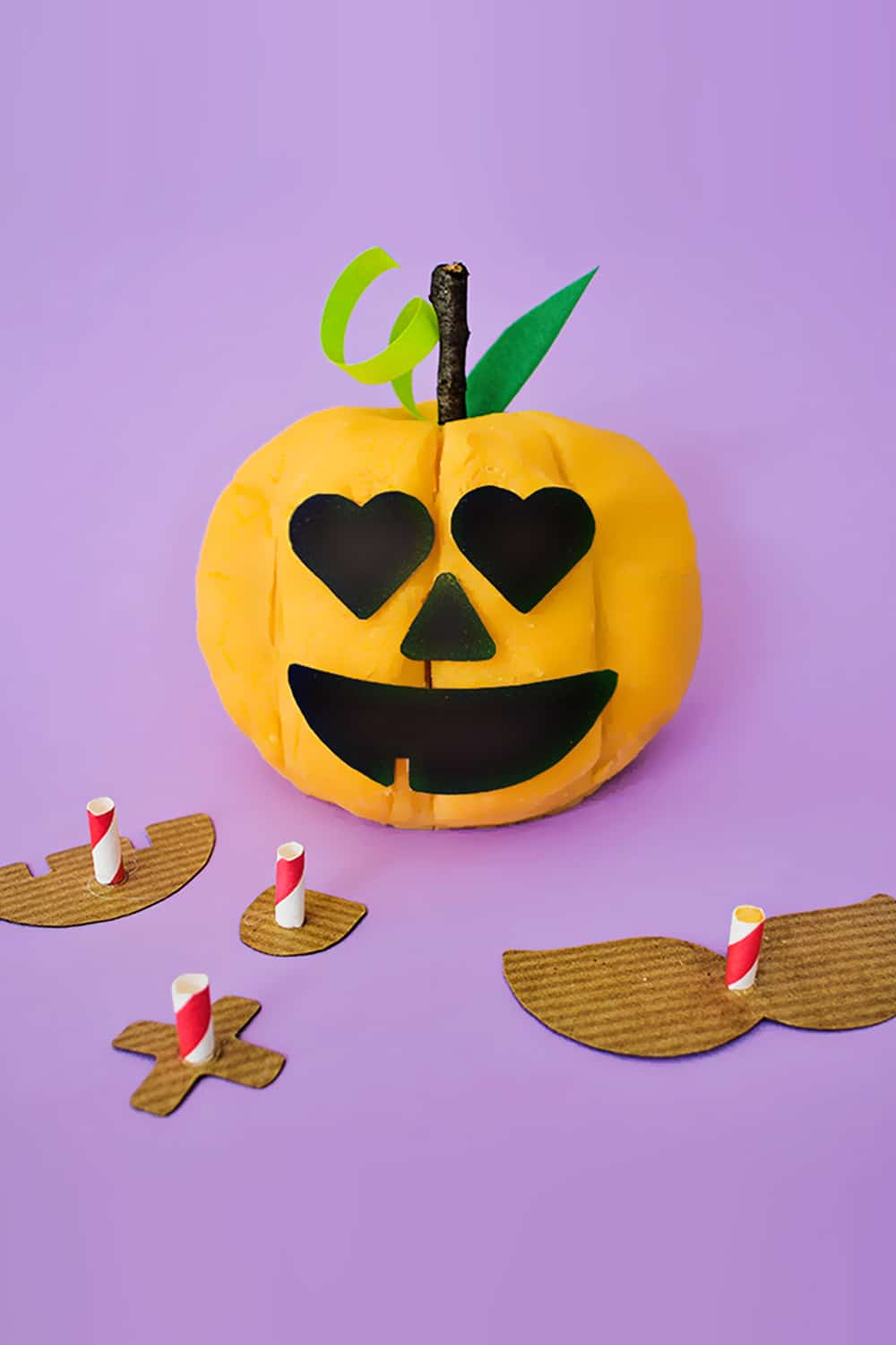 Celebrate Halloween with this fun and easy build-your-own Jack-O-Lantern play dough activity for kids!
